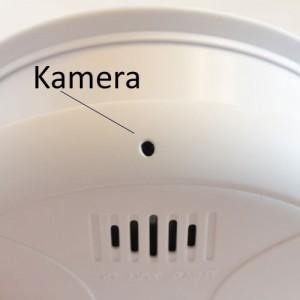 Mikrofon und Kameralinse in Rauchmelder
